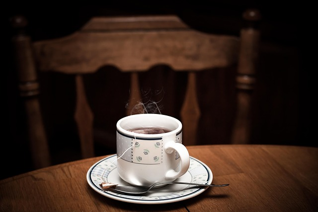 pára nad čajem