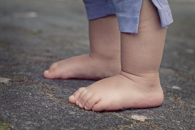 dětská chodidla