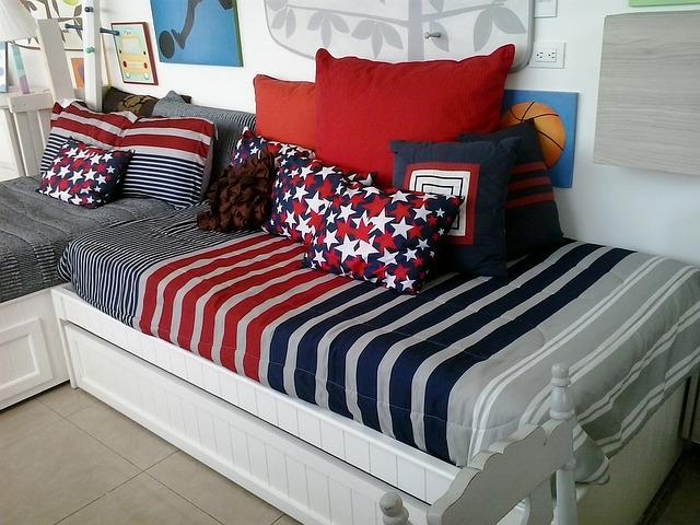 obrázky nad postelí.jpg
