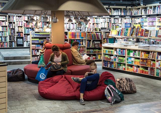 Knihovna, knihy, lidé